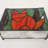 stained-glass-cat-on-box