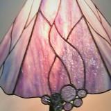 pink-table-tiffany-lamp