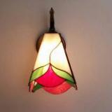 wall-tiffany-lamp-heart-leaves