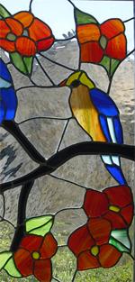 חלון ויטראז לבית. אומנות בזכוכית נמצאת בכל מקום