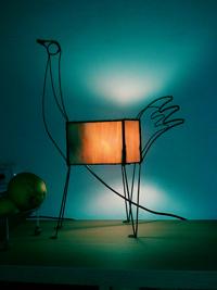ציפור בכתום - מנורות שולחן ויטראז ופליז