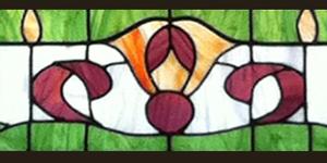 חלון ויטראז מעוצב גיאומטרי סימטרי