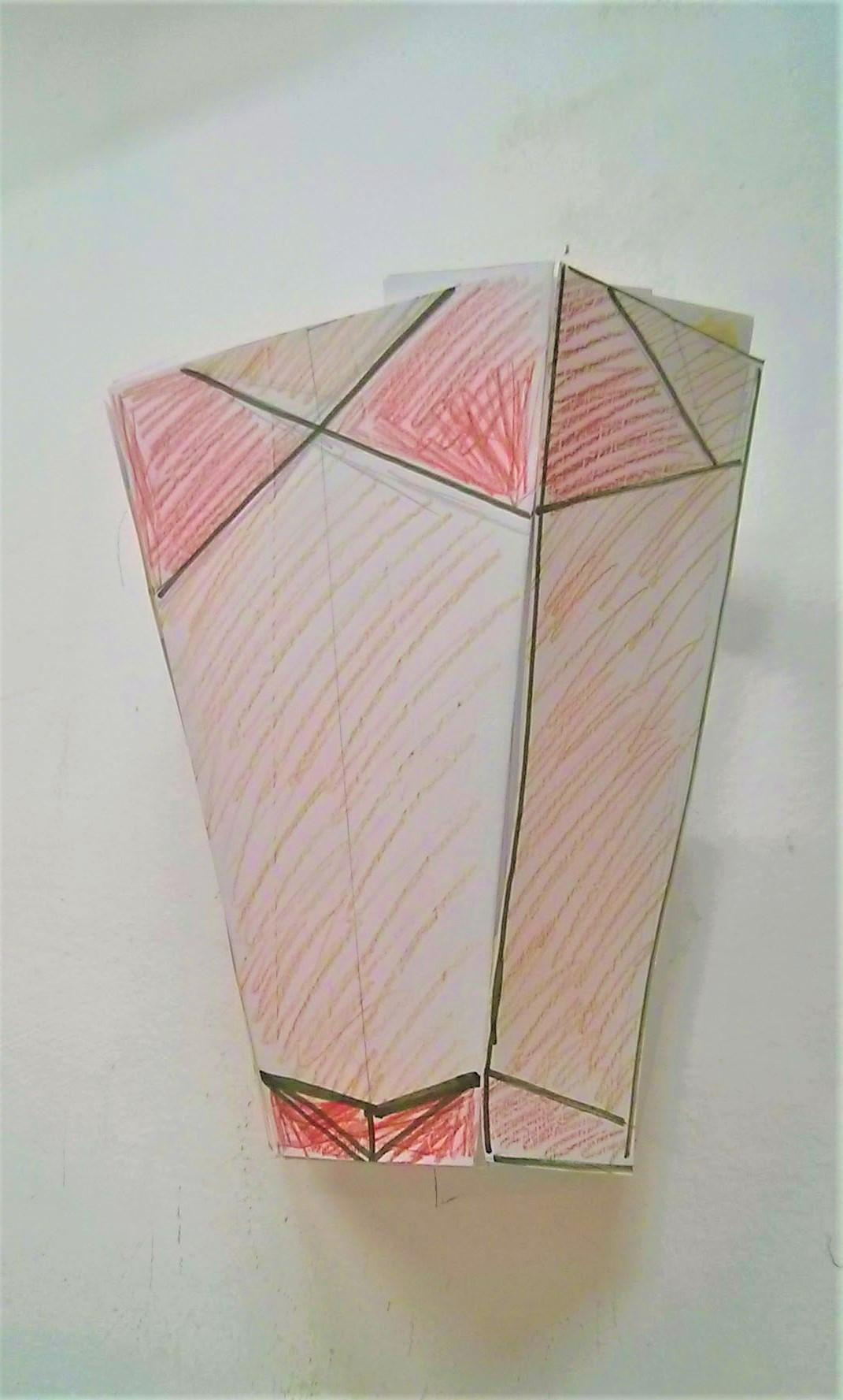 מודל למנורת קיר טיפאני גאומטרי