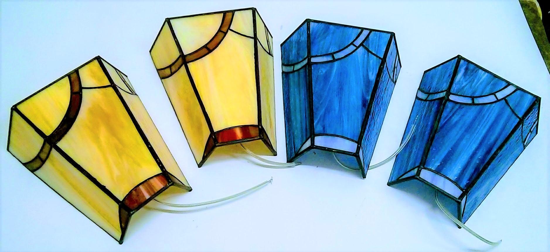 סט של מנורות קיר בדגמים גאומטריים