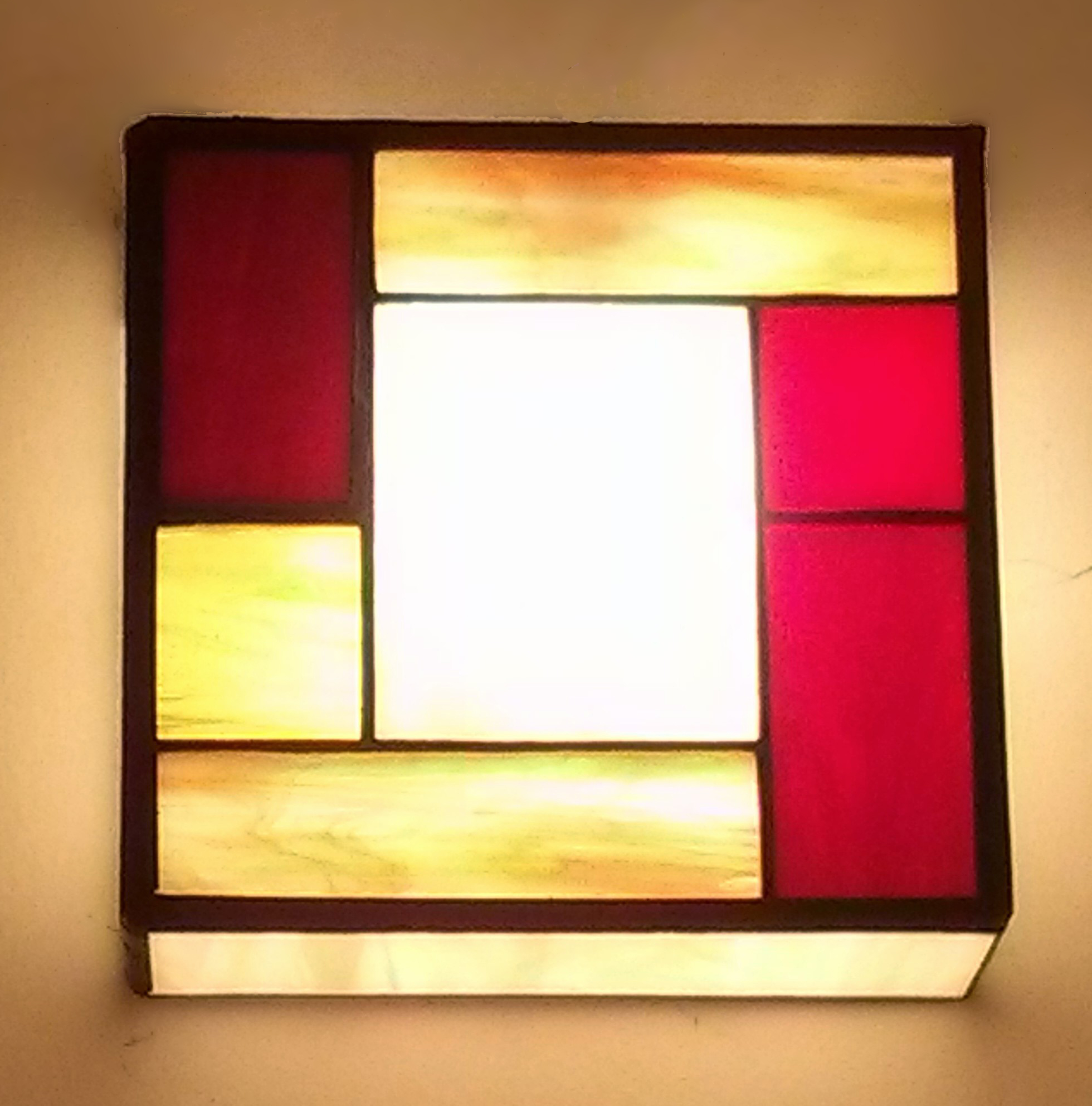 מנורת ויטראז טיפאני צמודת קיר דגם מונדריאן