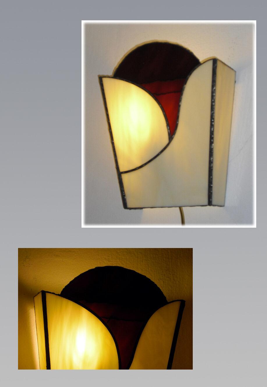 מנורת טיפאני קיר, מנורת ויטראז צמודה לקיר פרח סגול